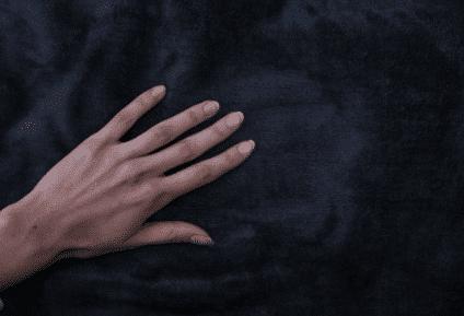 couverture lestée en doudou minky douce au toucher