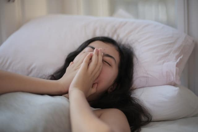 femme en manque de sommeil